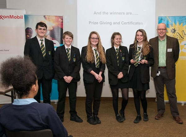 Sci Tech 2016 New Forest Academy winners with Richard Henderson